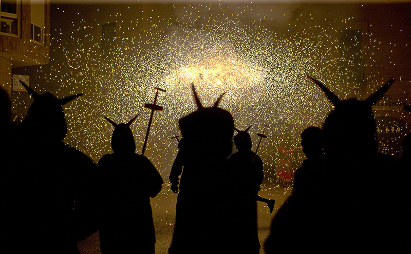 4 - Cercavila de foc - Diables
